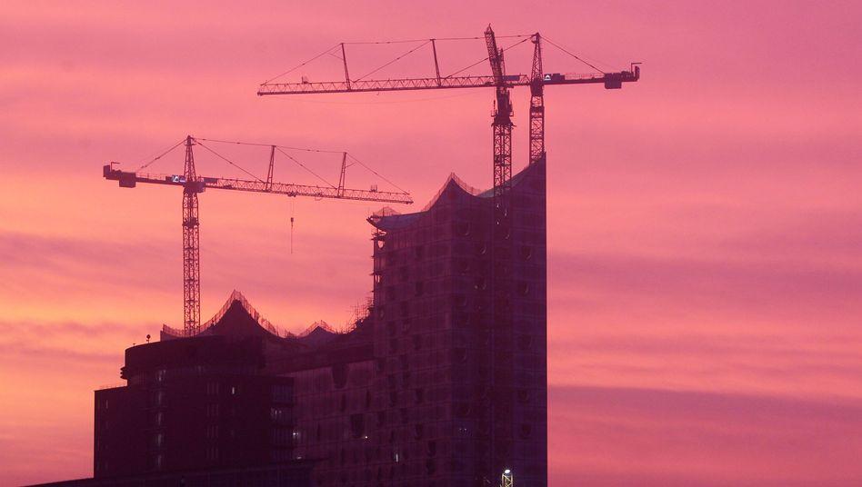 Elbphilharmonie am Hamburger Hafen: Alles im roten Bereich