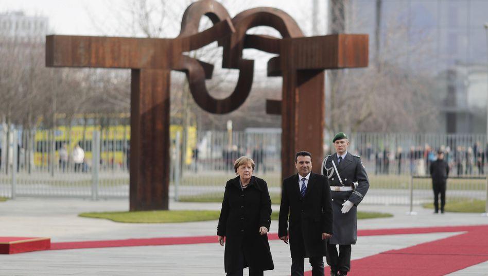 Angela Merkel empfängt Zoran Zaev