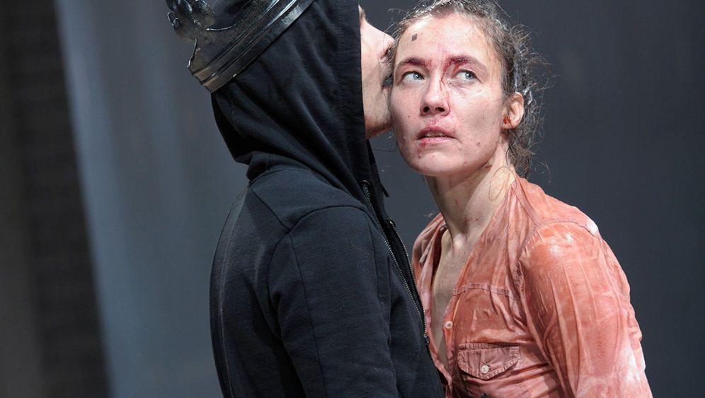 """""""Hamlet""""-Premiere in München: Prinz unter der Blutdusche"""