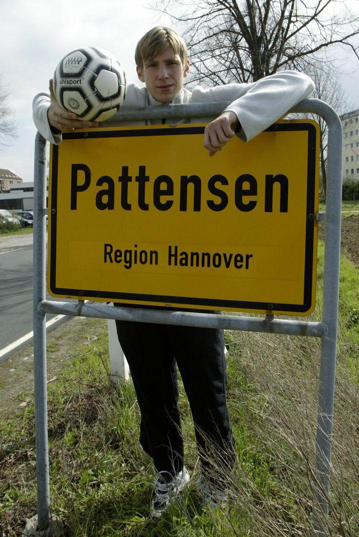Mertesacker am Pattensen-Ortsschild
