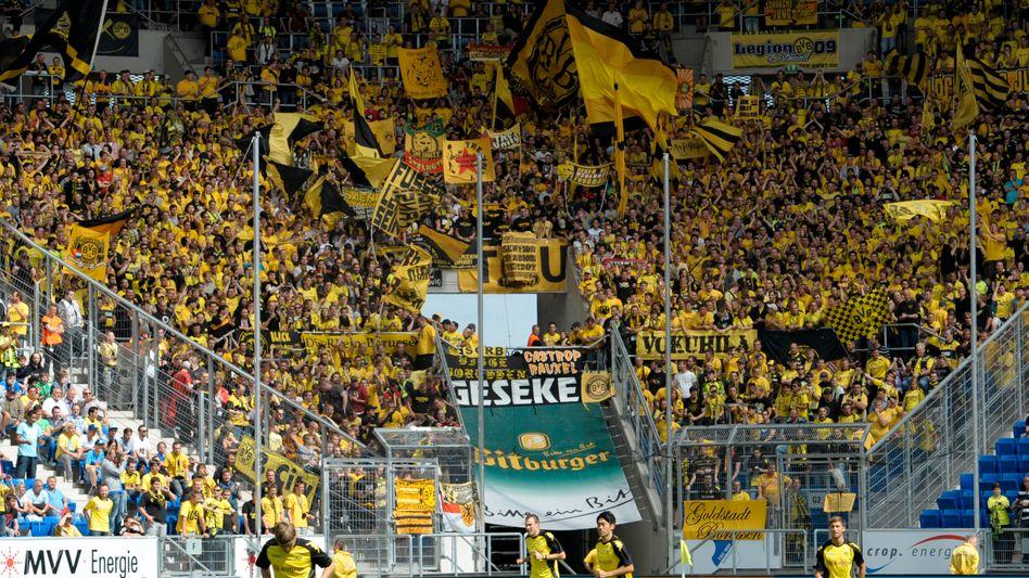 BVB-Fans in Hoffenheim: Der Jubel in Schwarz-Gelb wurde durch einen Piepton gestört