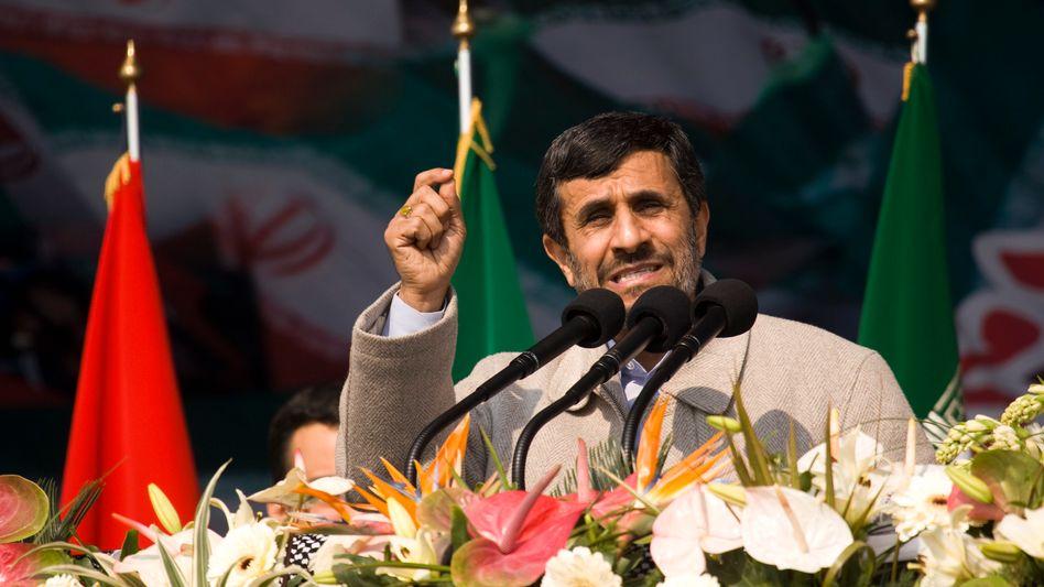 """Uranaufbereitung: Ahmadinedschad erklärt Iran zum """"Atomstaat"""""""