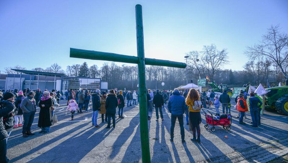 Anhänger der »Querdenken«-Initiative bei einer Demonstration gegen die Corona-Maßnahmen im baden-württembergischen Aalen