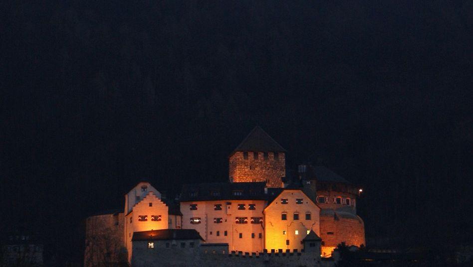 Burg von Liechtenstein: Banker hätten ihre Kunden früher informieren müssen