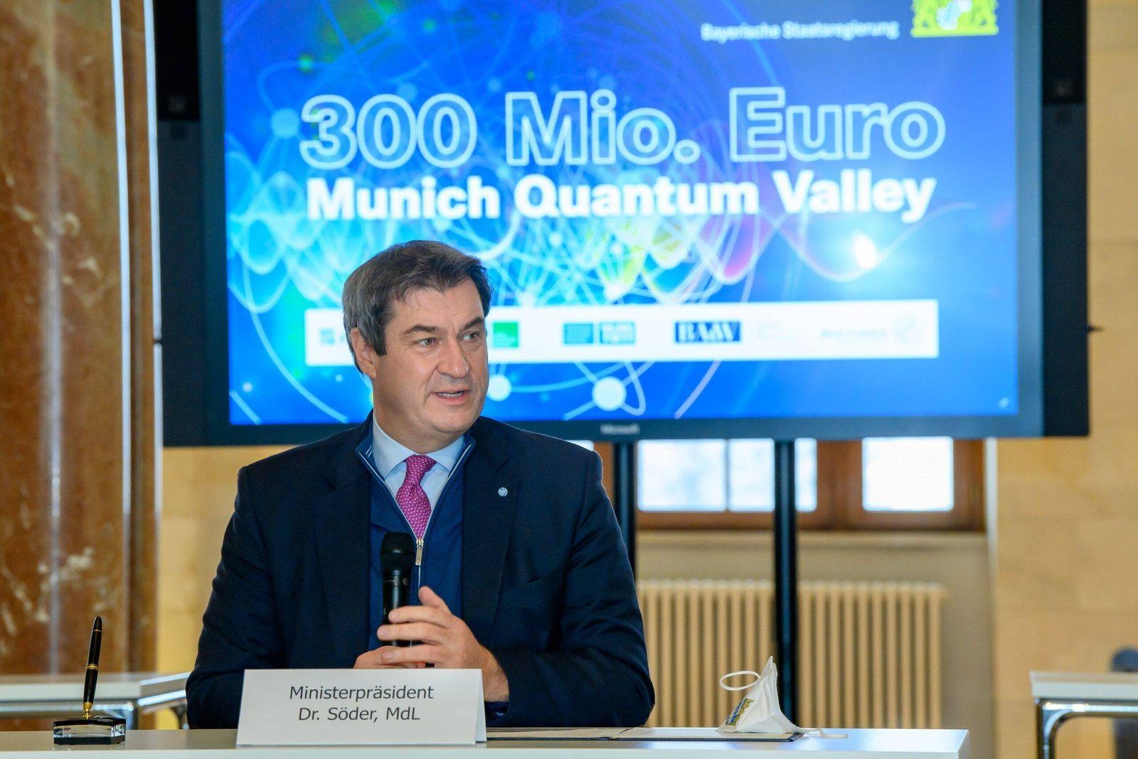 Ministerpräsident Dr. Markus Söder, MdL, begrüßt Vertreter der Bayerischen Akademie der Wissenschaften, der Fraunhofer-G