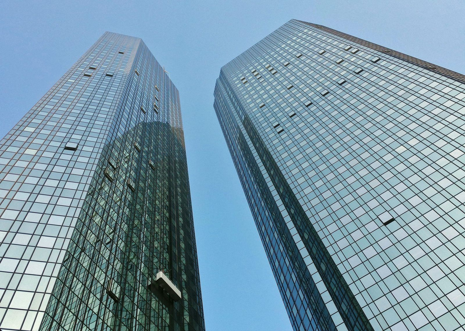 Window cleaners have a long way to go in Frankfurt