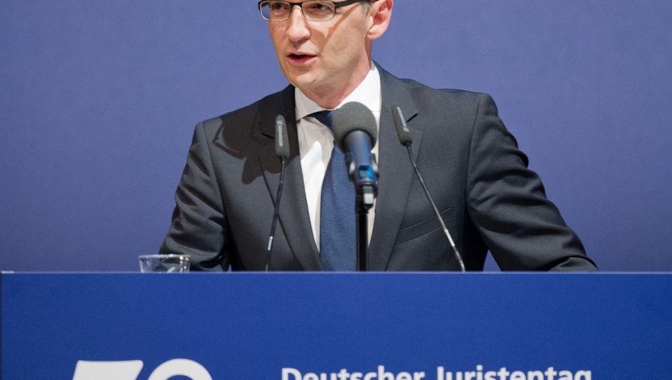 """Justizminister Maas (im September): """"Schutzlücken"""" im Sexualstrafrecht"""