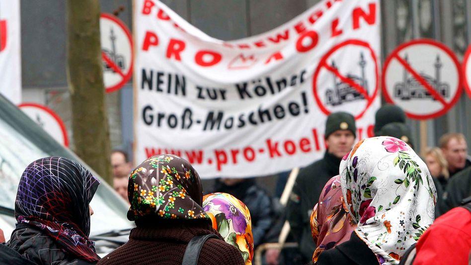 Demonstration von Islam-Gegnern in Köln (Februar 2011): Wann fängt schlimm an?