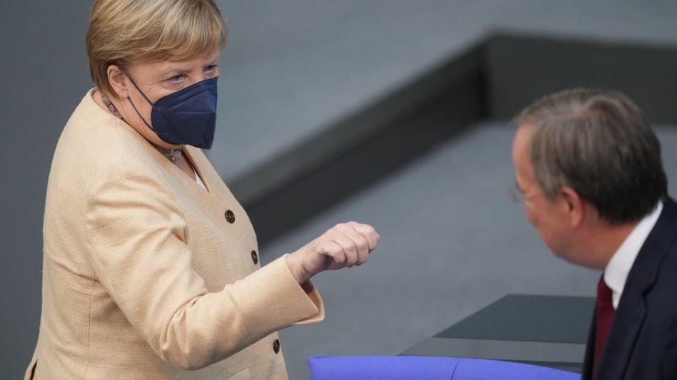 Kanzlerin Merkel, Kandidat Laschet: »Meine Güte, was für eine Aufregung«