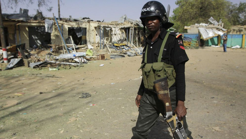 Boko Haram in Nigeria: Mordende Sekte, hilflose Jäger