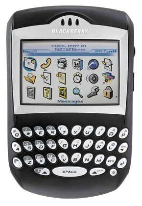 """Neues Modell der """"Brombeere"""": Von November an ist der neue Blackberry 7290 in Deutschland erhältlich. Das Gerät verfügt über ein Quadband-fähiges Telefon, funktioniert also innerhalb von vier Netzstandards. Das erleichtert insbesondere Telefonieren im Ausland."""