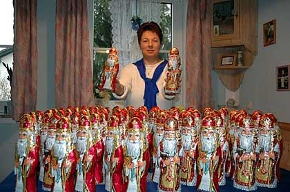 Silvia Englberger with her horde of St. Nicks.