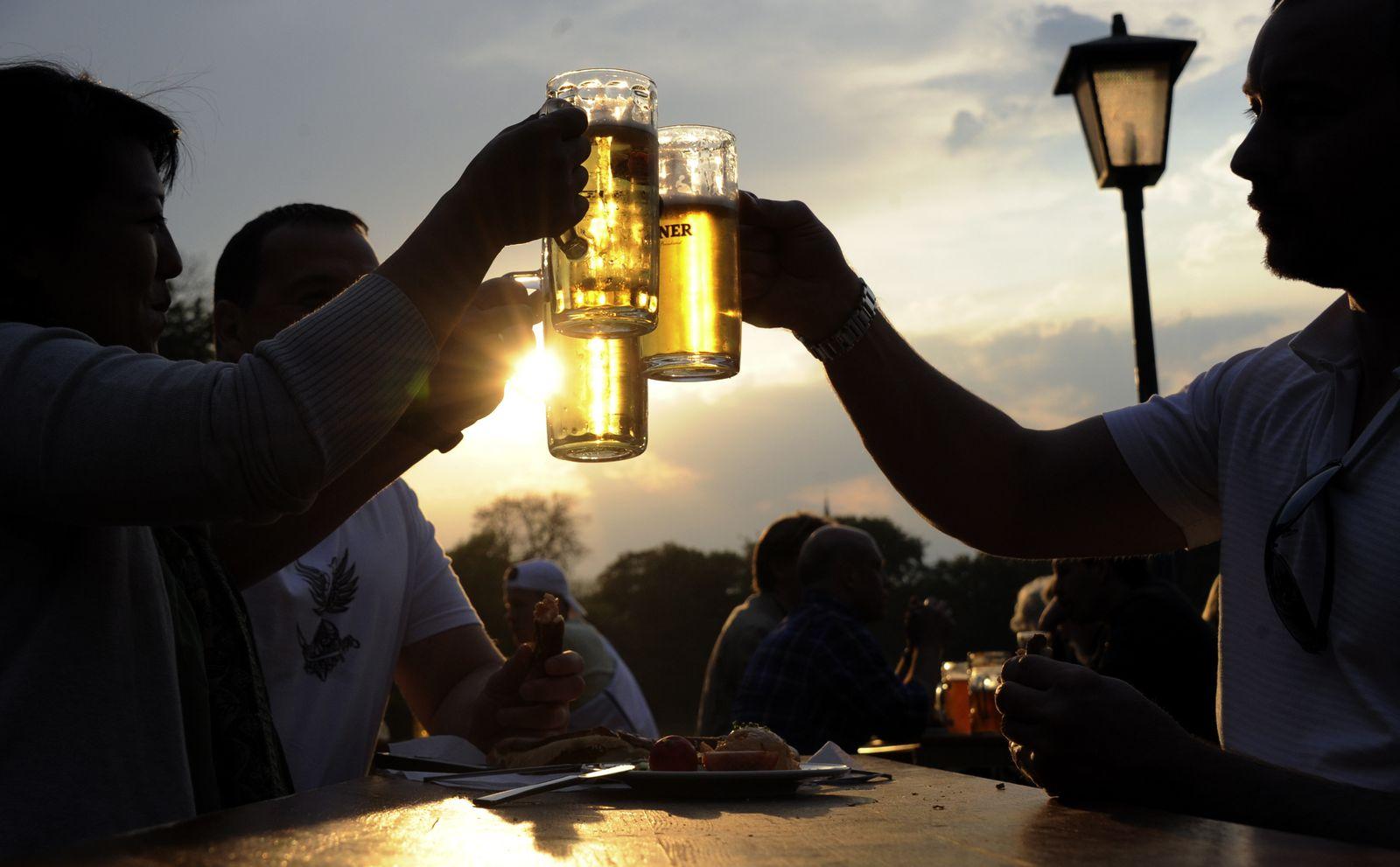 KaSP Bier / Feierabend / Abendstimmung Biergarten