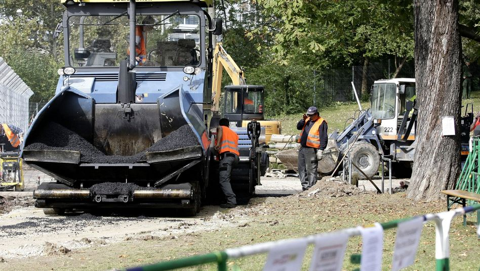 Bauarbeiten für Stuttgart 21: Laut Umweltschützern gefährden Baufahrzeuge die Gesundheit der Bürger