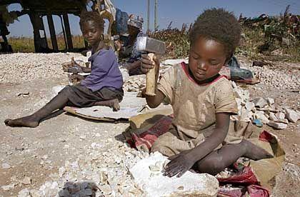Opfer von skrupellosen Menschenhändlern: Kindersklaven in Afrika