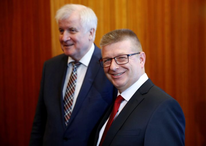 Innenminister Seehofer (l.) mit Haldenwang