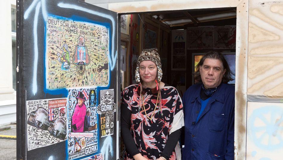 Das britische Künstlerehepaar Delaine und Damian Le Bas