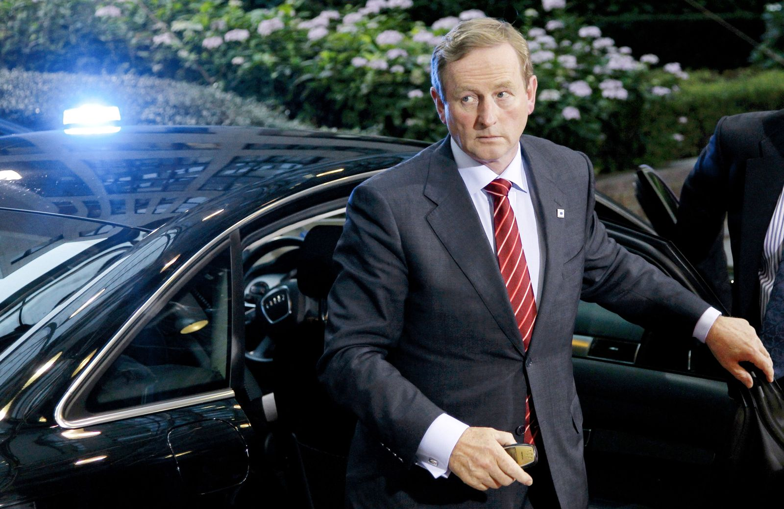 SP 46/2011 p90 SPIN Irland Enda Kenny