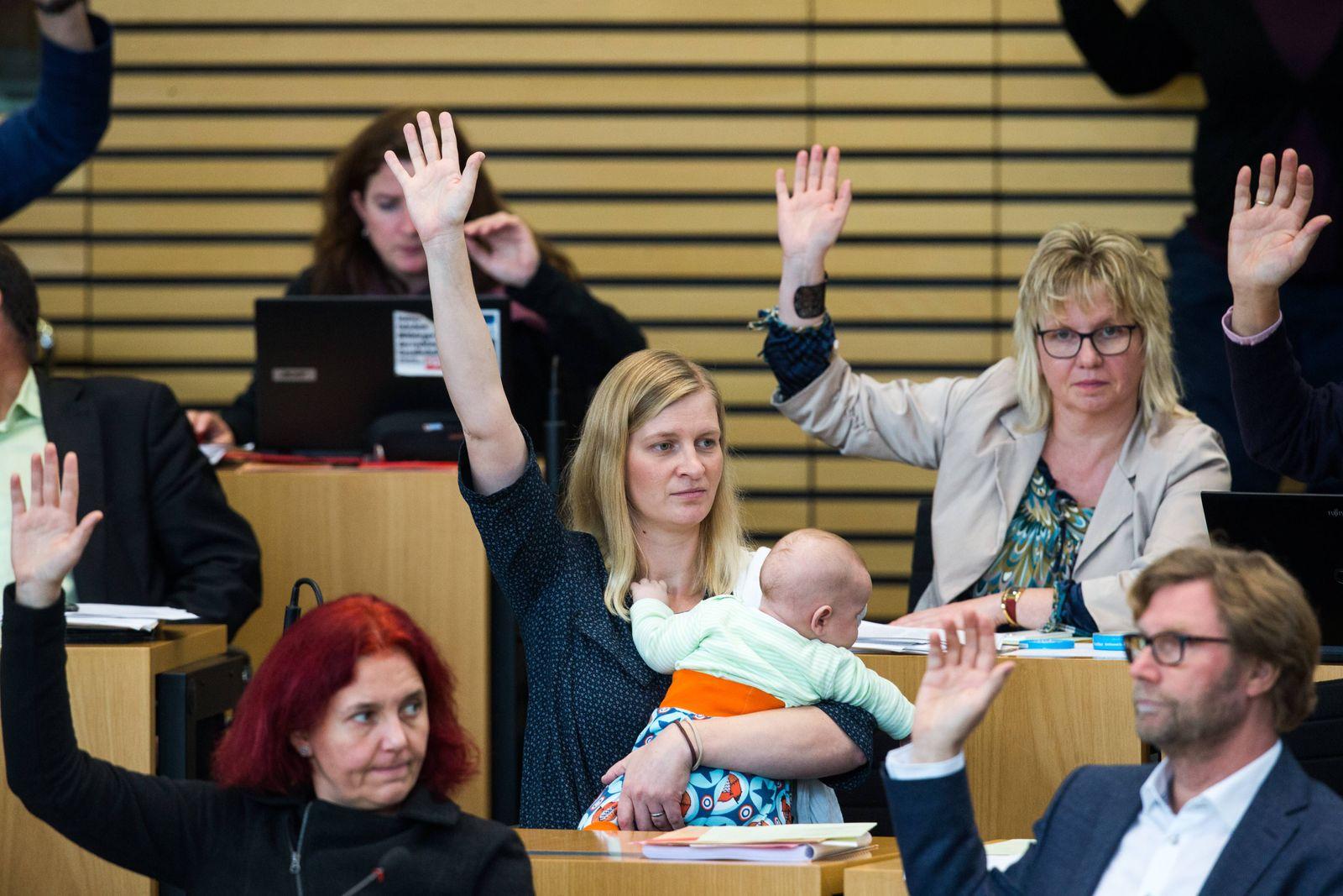 Erfurt 091118 Landtag Thüringen Plenum Plenarsitzung im Bild Madeleine Henfling Die Grünen