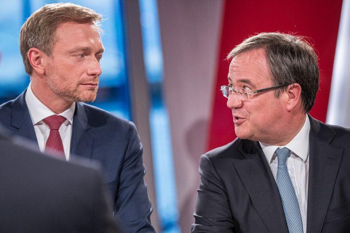 FDP-Chef Christian Linder (l.) und der Kandidat für den CDU-Vorsitz, Armin Laschet: Lob kurz vor Dreikönig für die FDP