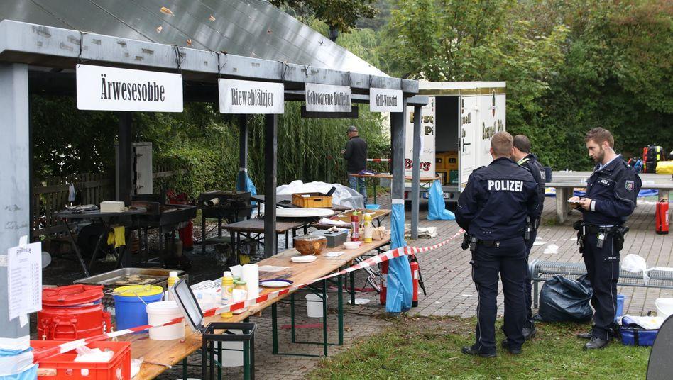 Zwei Menschen starben, als eine Bratpfanne auf einem Volksfest explodierte