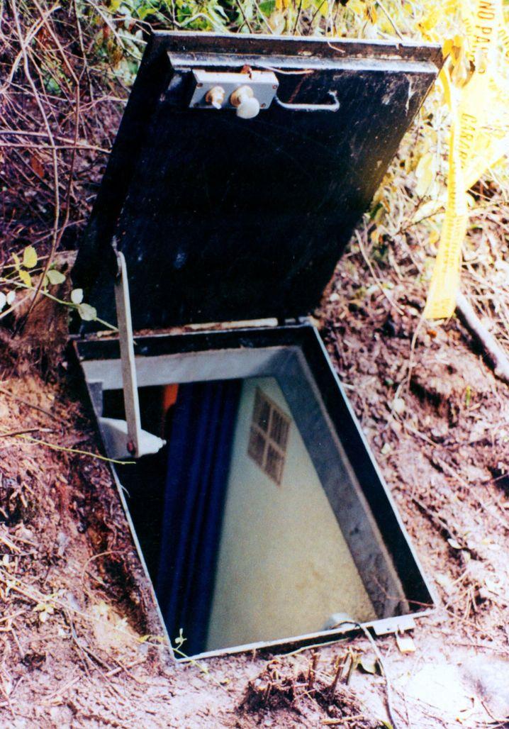 Colonia Dignidad: Eingang zu einem der Bunker