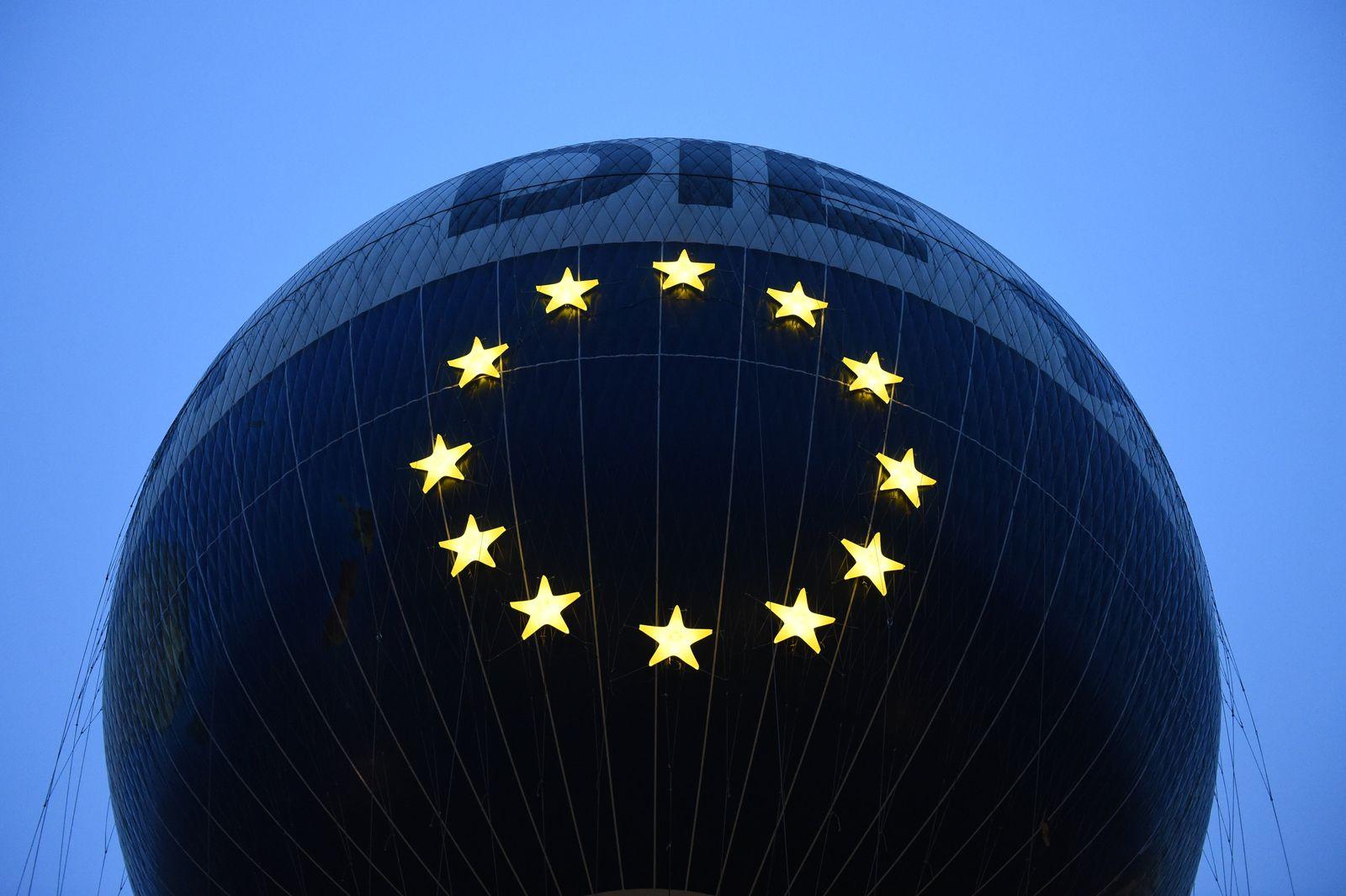 Europasterne leuchten über Berlin