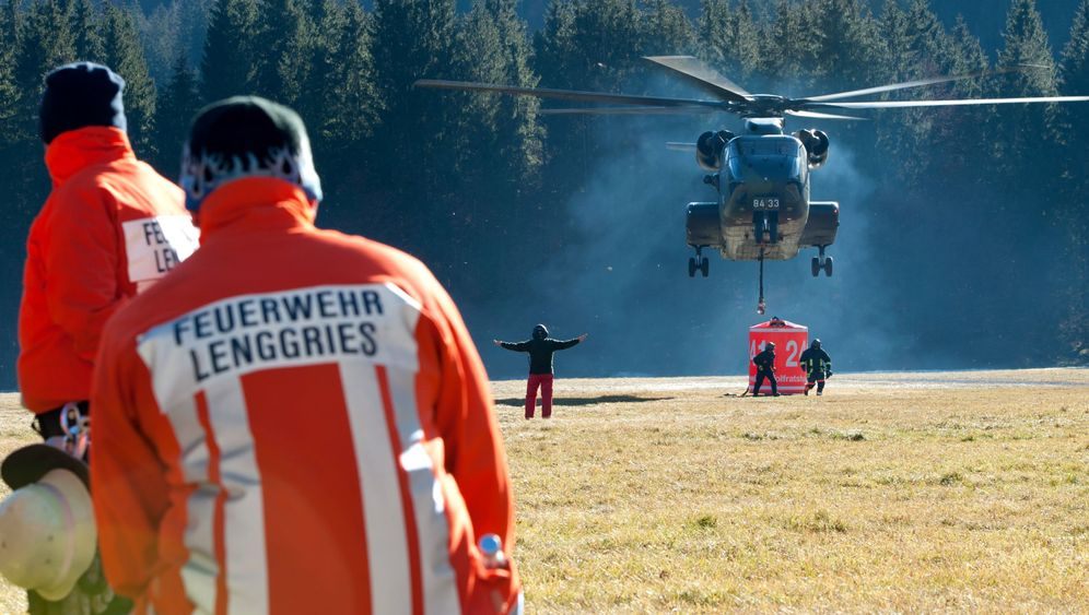 Waldbrand bei Lenggries: Kampf gegen die Flammen