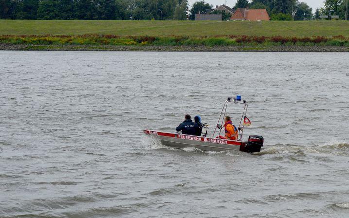 Suchaktion auf der Elbe bei Winsen-Drage: Familie bleibt verschwunden