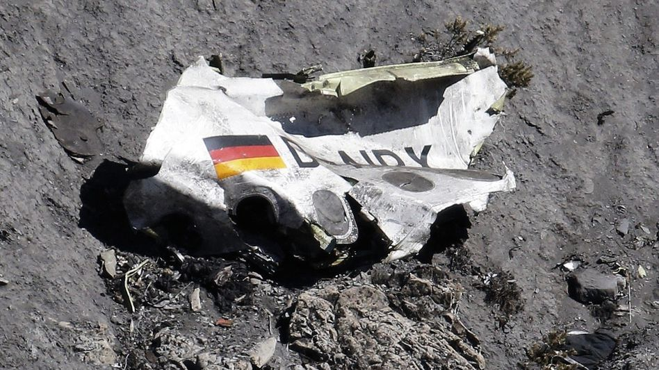 Wrackteil der Germanwings-Maschine: Mit Psychopharmaka ins Cockpit