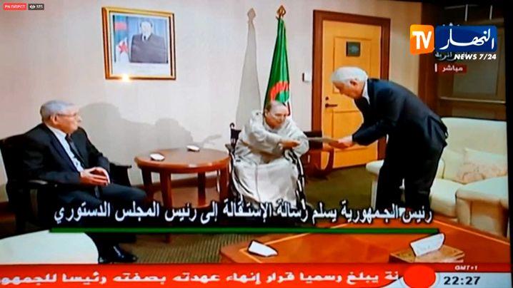 Bouteflika (m.) mit Belaiz (r.) und Bensalah: Ende einer Ära
