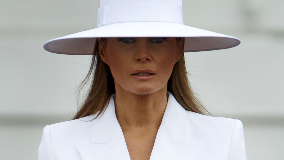 First Lady der USA: Melania Trump, behütet