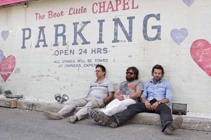 """Ed Helms, Zach Galifianakis und Bradley Cooper in """"Hangover"""": Der Wüstling in Dir"""