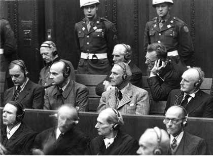 Angeklagte in Nürnberg: Spitze eines Regimes, in dem Hinrichtungen zum Alltag gehörten
