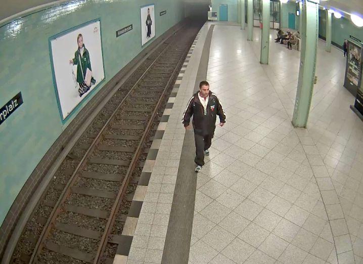 Foto einer Überwachungskamera zeigt den mutmaßlichen Täter