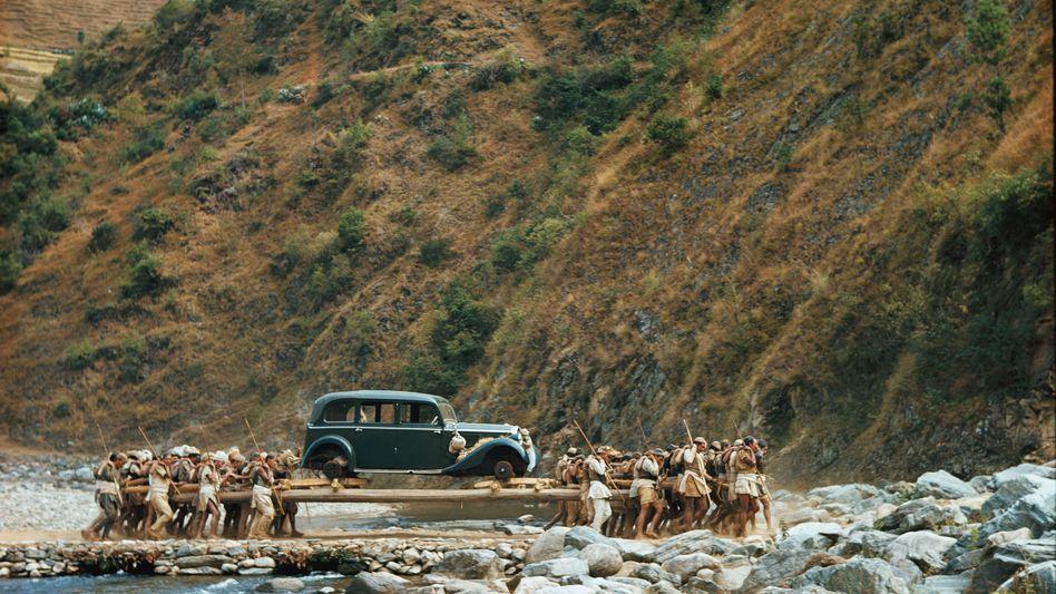 Augenblick mal!: Warum Männer einen Mercedes durch Nepal schleppten