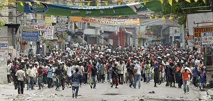 Unruhen in Port-au-Prince: Die Auswirkungen der Teuerung lindern