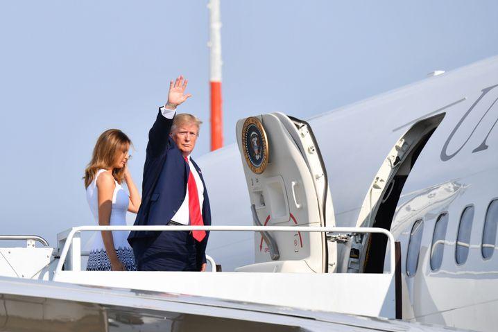 Donald Trump mit Ehefrau Melania in Frankreich: Offenbar Pläne für Wälder in Alaska