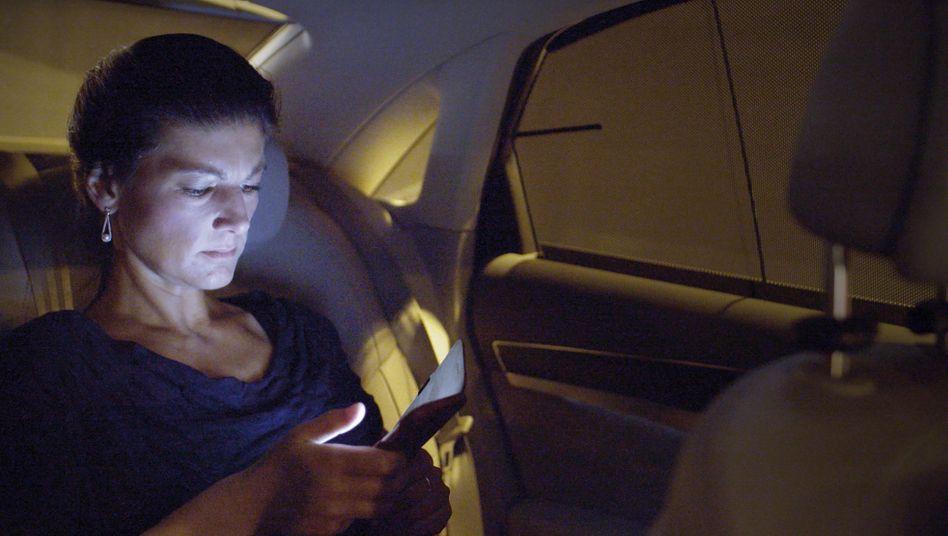 Kino-Doku über Sahra Wagenknecht: Beim Flechten des Zopfes