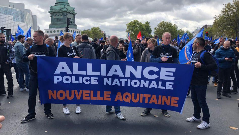 """""""Polizisten in Wut"""": Die Beamten fordern seit vielen Jahren eine bessere Ausstattung und geregeltere Arbeitszeiten"""