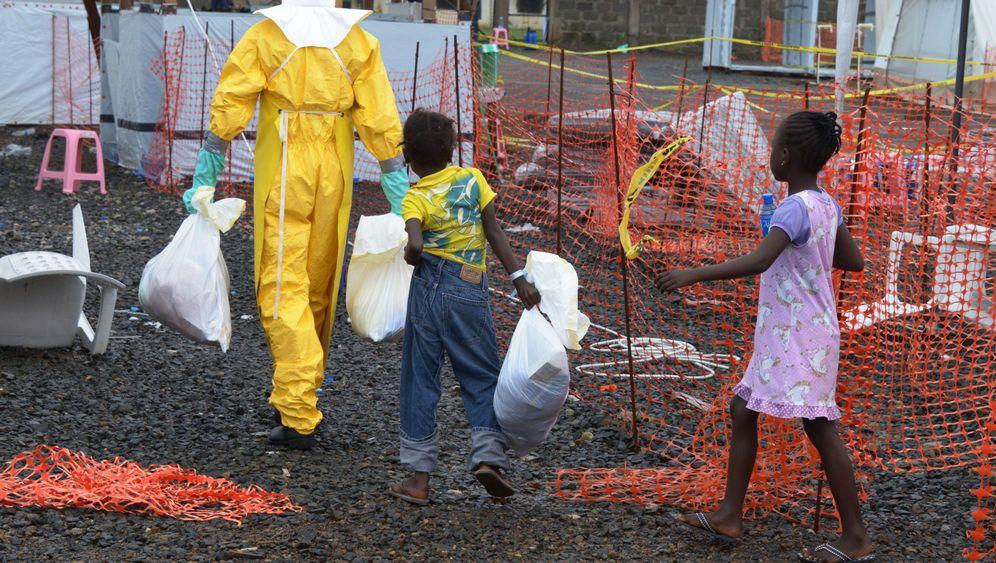 Isolierstation Freetown: Schnelle Hilfe im Kampf gegen Ebola