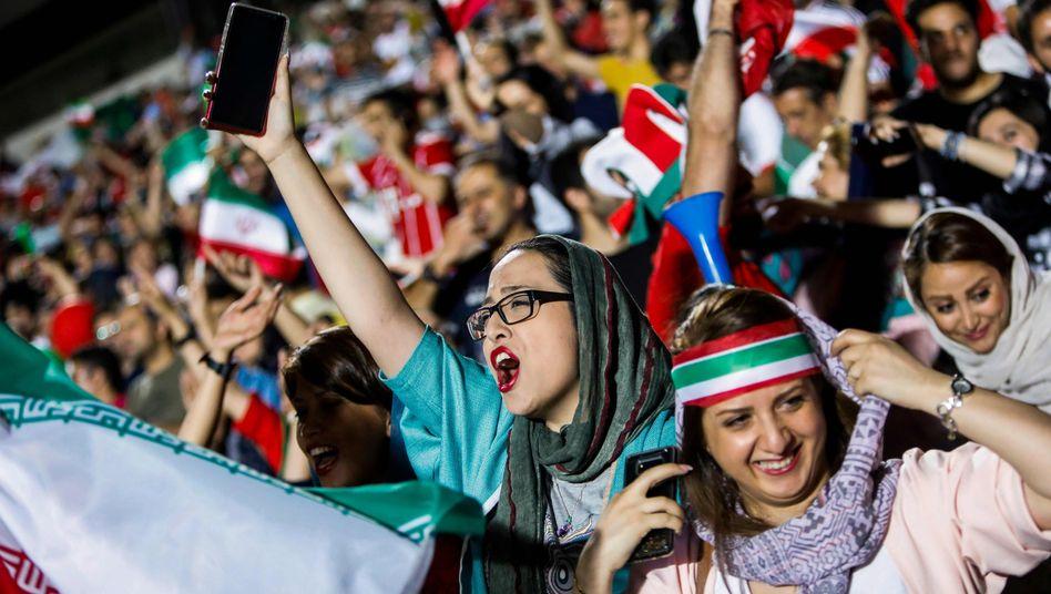 Iranische Fans bei der WM in Russland