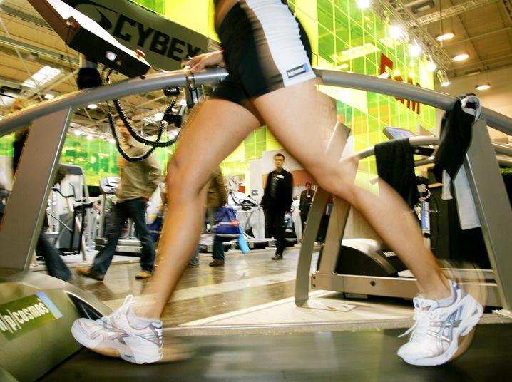 Laufbandtraining: Körperliche Betätigung lässt Blutfettwerte sinken