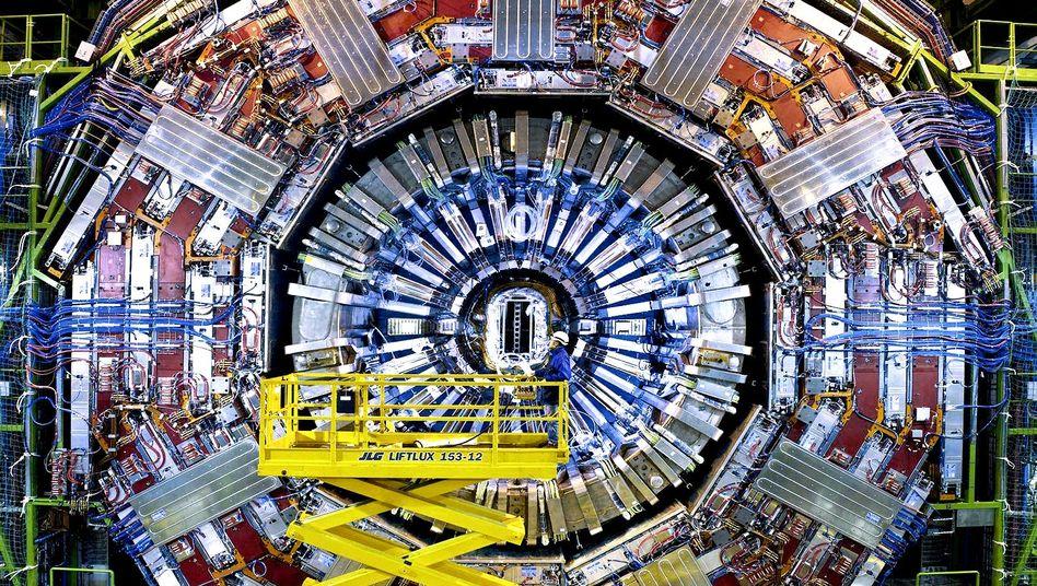 CMS-Detektor am Teilchenbeschleuniger LHC: untersucht Proton-Proton-Kollisionen