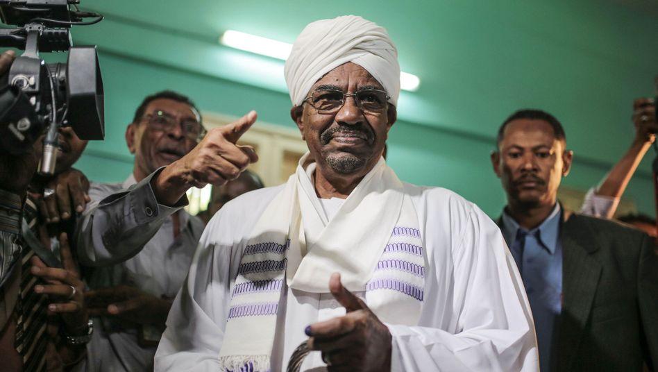 Der neue und alte Präsident Omar al-Baschir