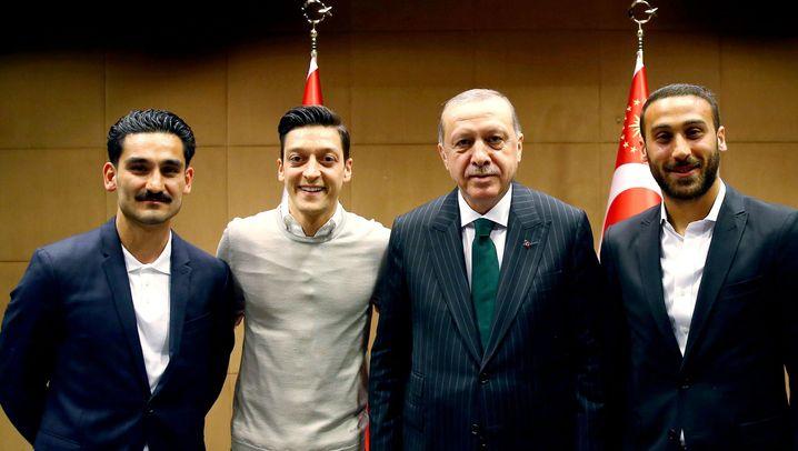 Der Spielfilm des WM-Scheiterns: Vom Erdogan-Gate zur Südkorea-Pleite