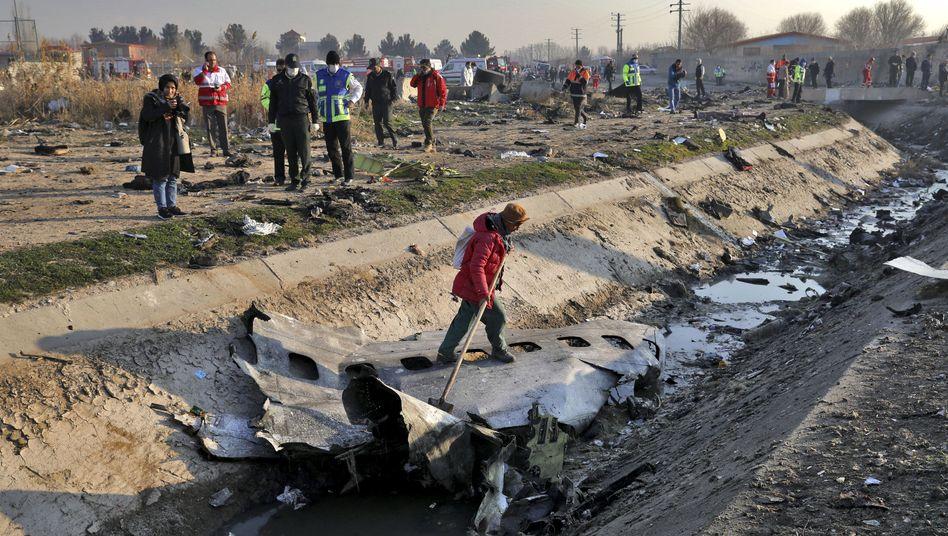 Unglücksstelle in Iran: 176 Menschen kamen bei dem Absturz ums Leben.