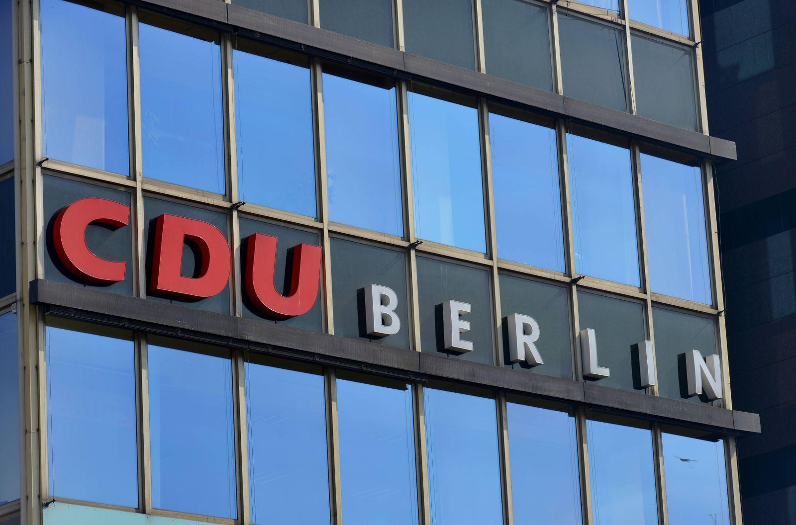 CDU Landesverband Berlin Kleiststrasse Wittenbergplatz Schoeneberg Berlin Deutschland *** CDU L