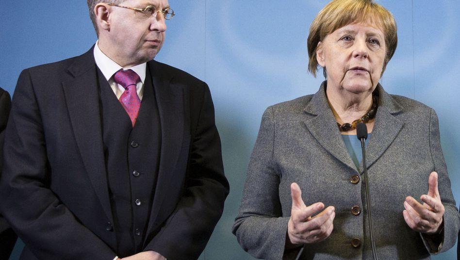 Hans-Georg Maaßen, Angela Merkel