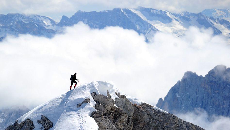 Bergsteiger in den Alpen: Vertrauen in das eigene Leistungsvermögen